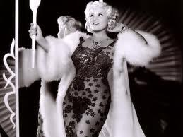Mae WestOtra imagen extraída de  es.gdefon.com